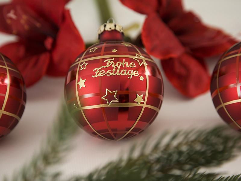 Gesegnete Weihnachten und fröhliche Festtage im Kreise der Liebsten.